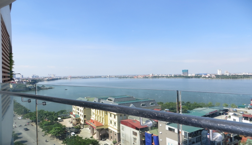 Modern lake view apartment in Watermark Hanoi rent 3 bedrooms