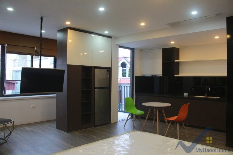 Modern studio apartment for rent in Lac Long Quan, Tay Ho