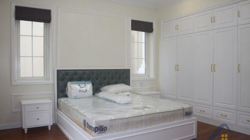 modern-villa-in-vinhomes-riverside-long-bien-4-bedrooms-with-lift-11