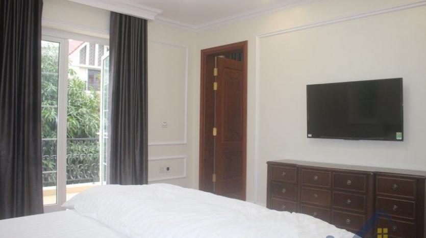 modern-villa-in-vinhomes-riverside-long-bien-4-bedrooms-with-lift-14