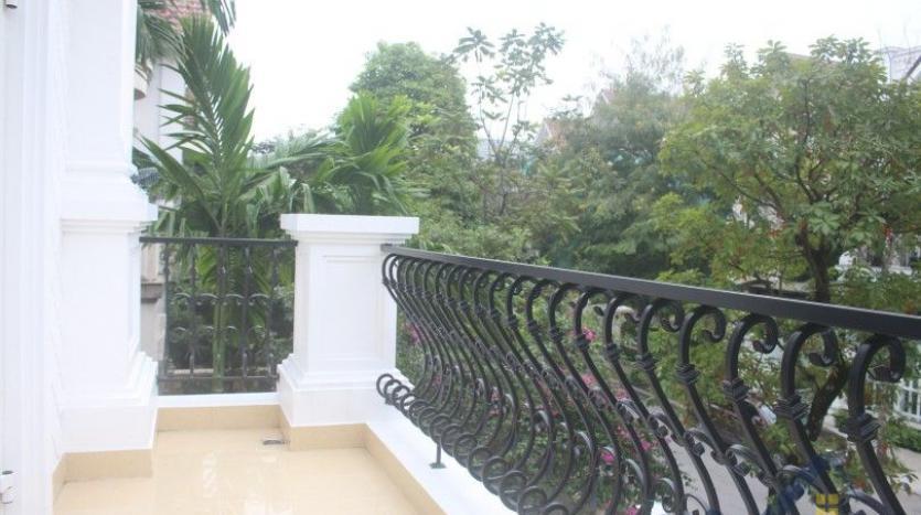 modern-villa-in-vinhomes-riverside-long-bien-4-bedrooms-with-lift-16