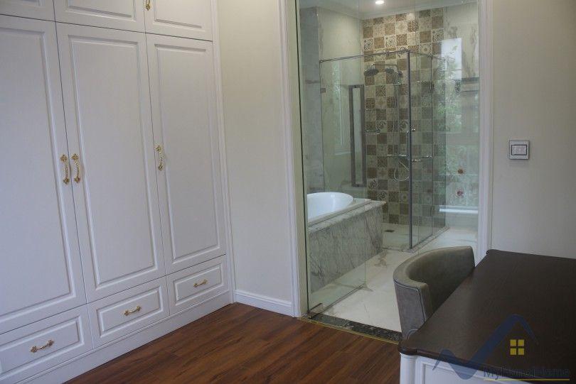 Modern villa in Vinhomes Riverside Long Bien 4 bedrooms with LIFT