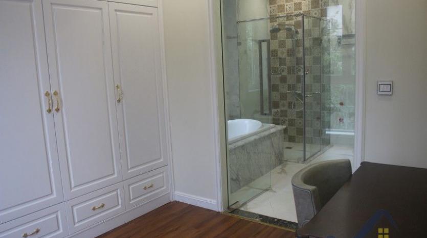 modern-villa-in-vinhomes-riverside-long-bien-4-bedrooms-with-lift-17