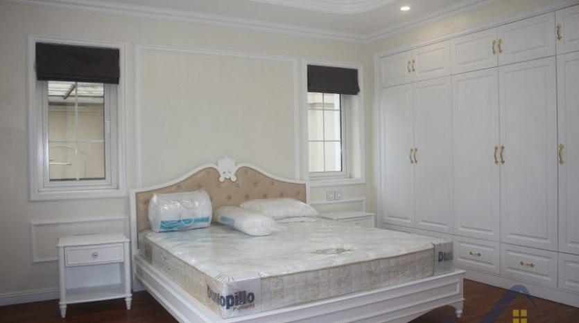 modern-villa-in-vinhomes-riverside-long-bien-4-bedrooms-with-lift-21