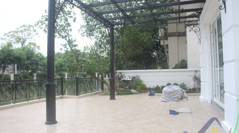modern-villa-in-vinhomes-riverside-long-bien-4-bedrooms-with-lift-4