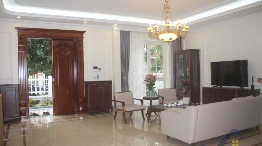 modern-villa-in-vinhomes-riverside-long-bien-4-bedrooms-with-lift-5
