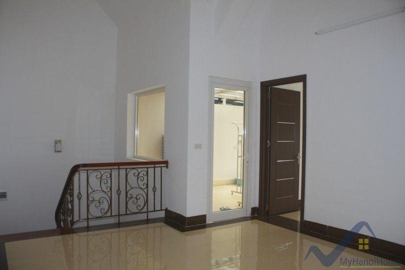 Modern Vinhomes Riverside villa for lease walking distance to Almaz