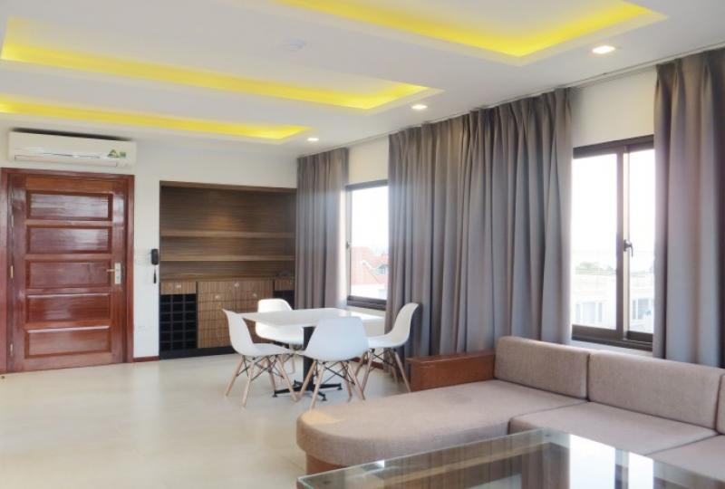 New 2 bedroom apartment in Tay Ho with professional services