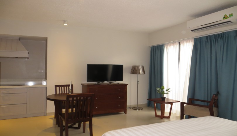 New studio apartment in Tay Ho, close Westlake with shower room