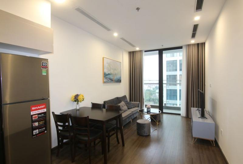 Nice 2 bedroom apartment to rent Vinhomes Symphony