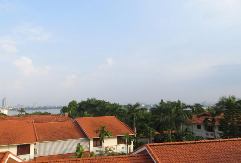Nice terraced house in Tay Ho for rent, Dang Thai Mai