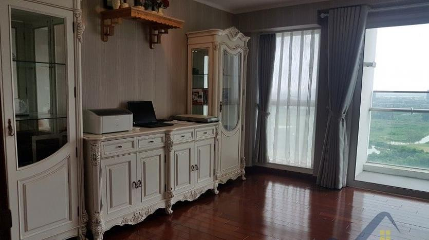 Nice view 4 bedroom Ciputra apartment for rent L1 building