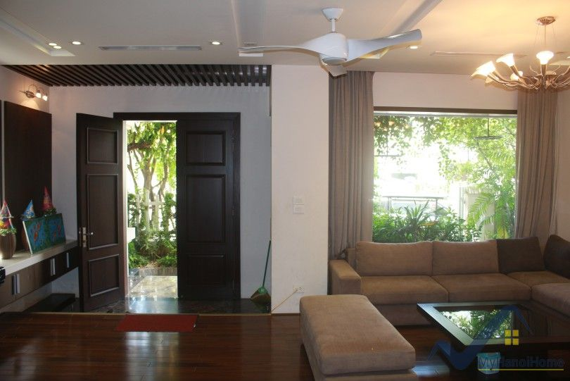 Nice Vinhomes Riverside villa for rent with furnished 4BR