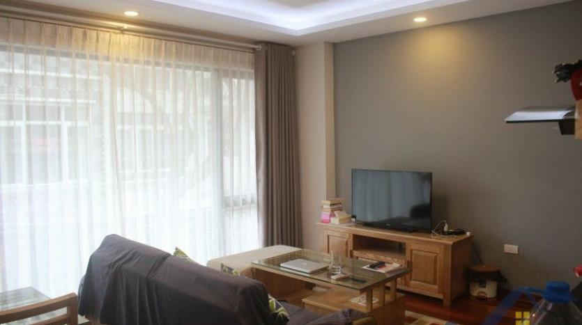 one-bedroom-apartment-to-rent-in-truc-bach-hanoi-2