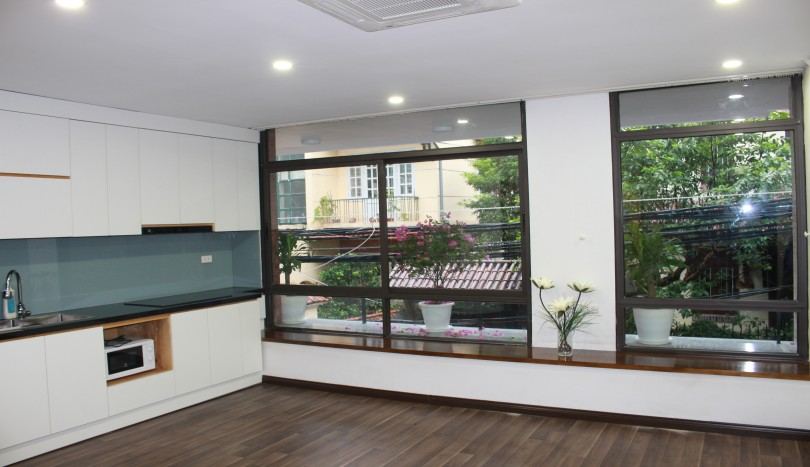One double bedroom apartment in Xuan Dieu Tay Ho for rent