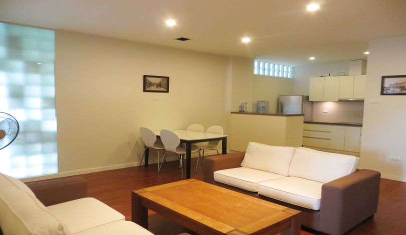 Open plan reception room 2 bedroom for rent in Tay Ho