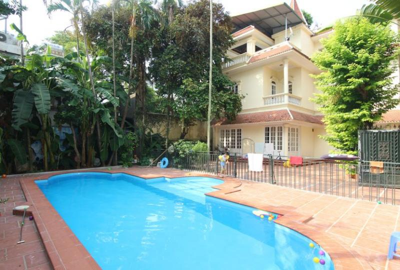 Outdoor swimming pool villa for rent in Tay Ho Hanoi