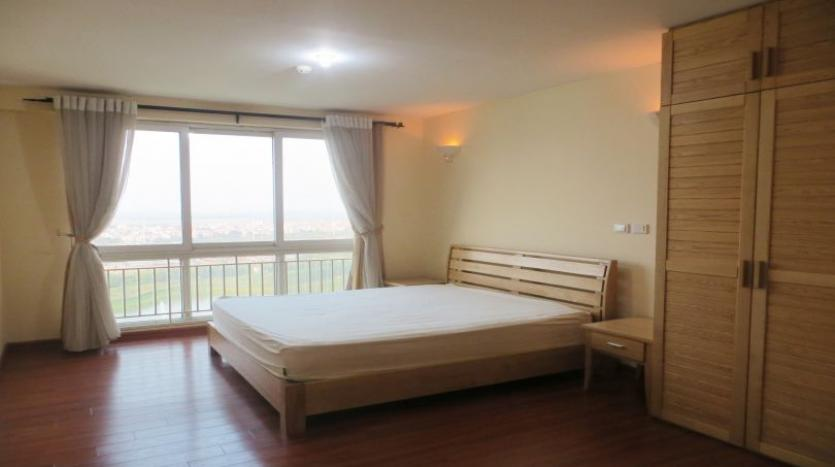 p2-tower-ciputra-4-bedroom-apartment-for-rent-nice-view-8