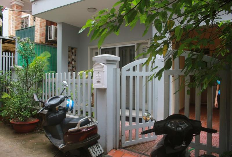 Partly furnished 4 bedroom house to rent in Tay Ho Hanoi