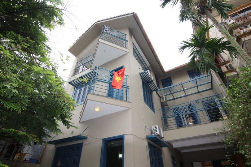 Partly furnished 6 bedroom house in Long Bien Ngoc Thuy