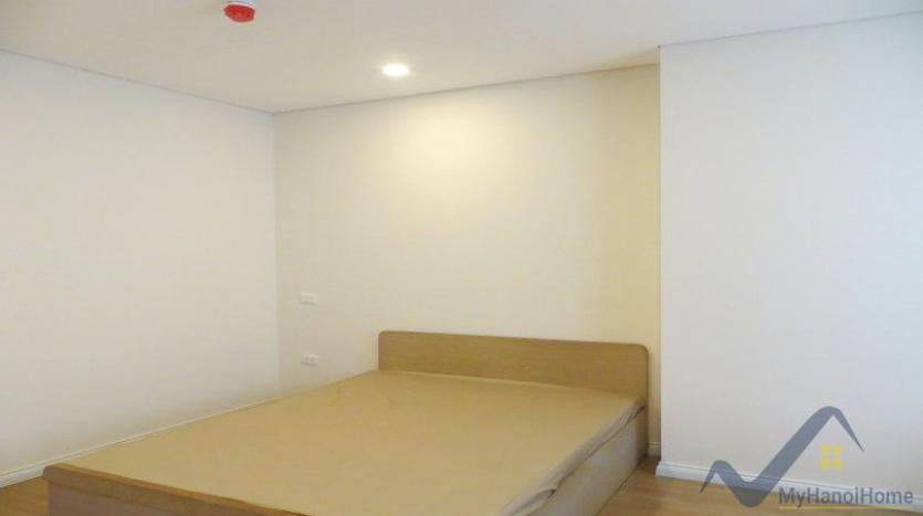 partly-furnished-apartment-in-mipec-riverside-02-bedrooms-lake-view-24