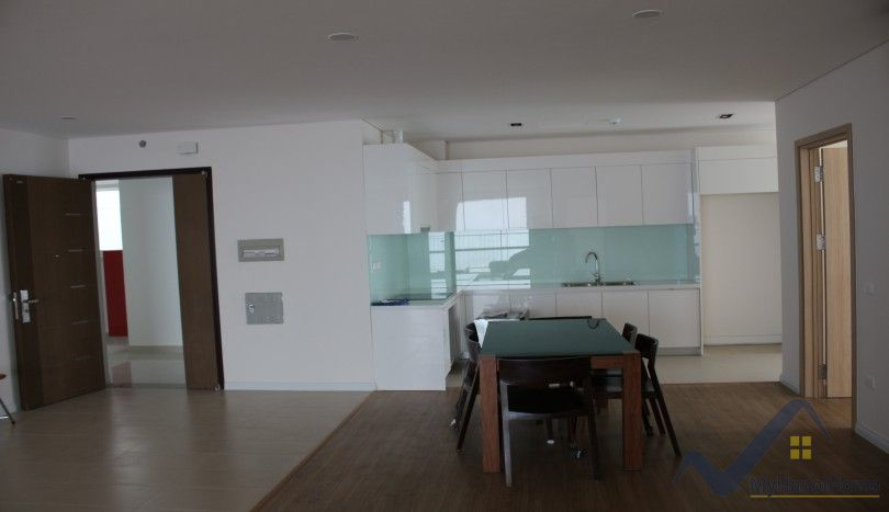 Partly furnished apartment in Mipec Riverside Long Bien 3 beds