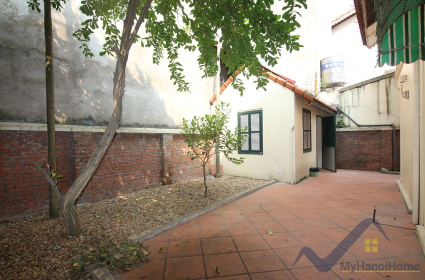 Partly furnished Tay Ho house rental Dang Thai Mai street 3beds