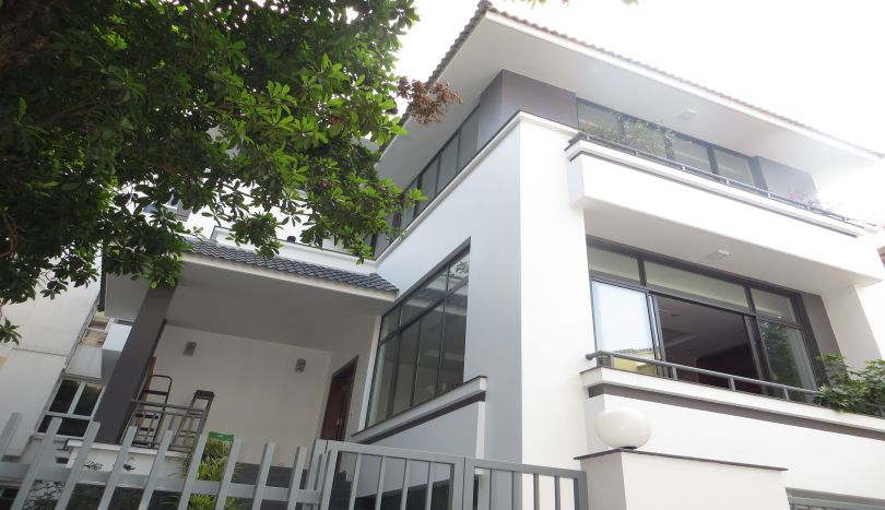 Perfect villa for rent in Tay Ho, private pool and garage