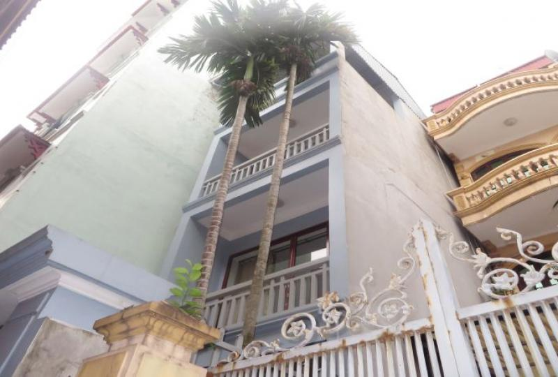 Quiet alley 4 bedroom house to rent in Tay Ho, furnished