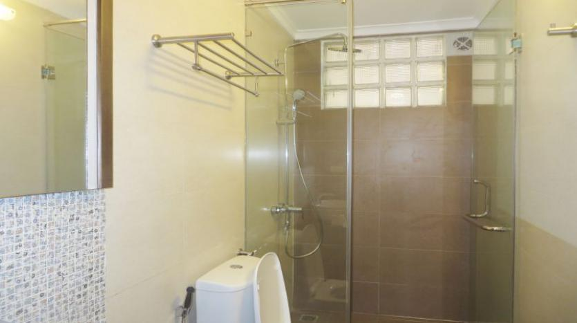 refurbished-3-bedroom-house-for-rent-in-tay-ho-large-yard-15