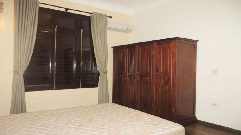 refurbished-3-bedroom-house-for-rent-in-tay-ho-large-yard-19