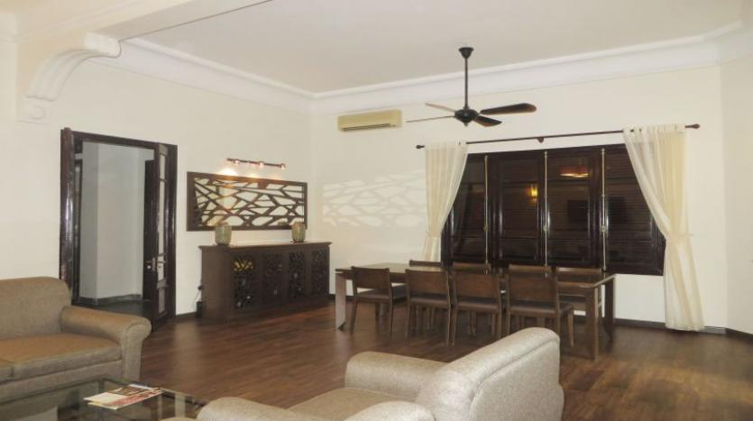 refurbished-3-bedroom-house-for-rent-in-tay-ho-large-yard-2
