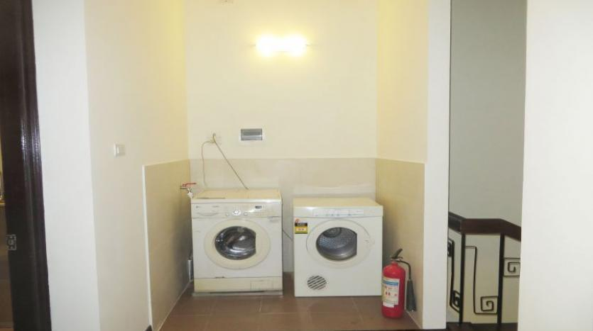 refurbished-3-bedroom-house-for-rent-in-tay-ho-large-yard-20