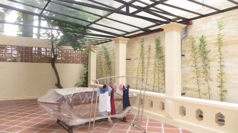 refurbished-3-bedroom-house-for-rent-in-tay-ho-large-yard-21