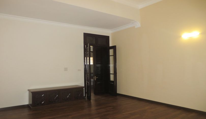 Refurbished 3 bedroom house for rent in Tay Ho, large yard