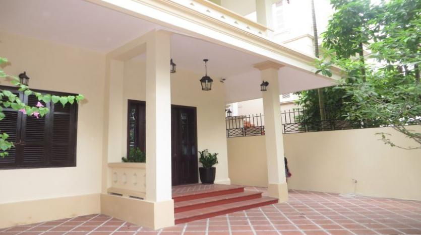refurbished-3-bedroom-house-for-rent-in-tay-ho-large-yard-28