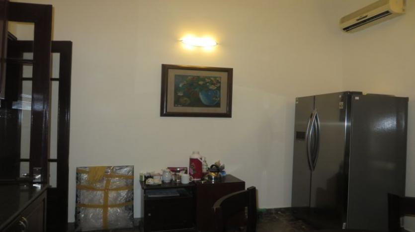 refurbished-3-bedroom-house-for-rent-in-tay-ho-large-yard-5