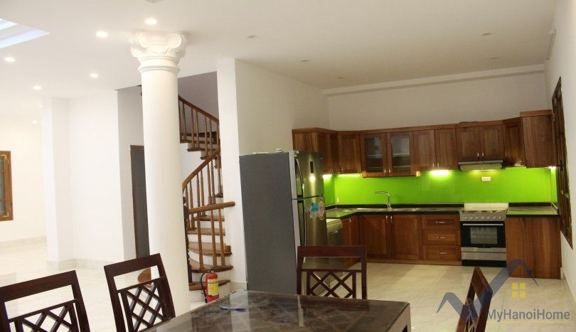 Refurbished 4 bedroom house in Tay Ho for rent large yard