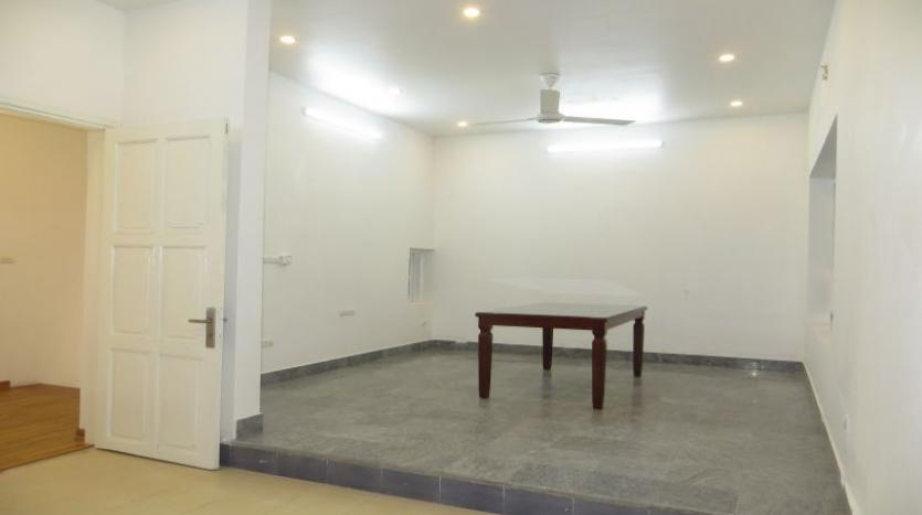 refurbished-house-to-rent-in-tay-ho-car-parking-and-terrace-10