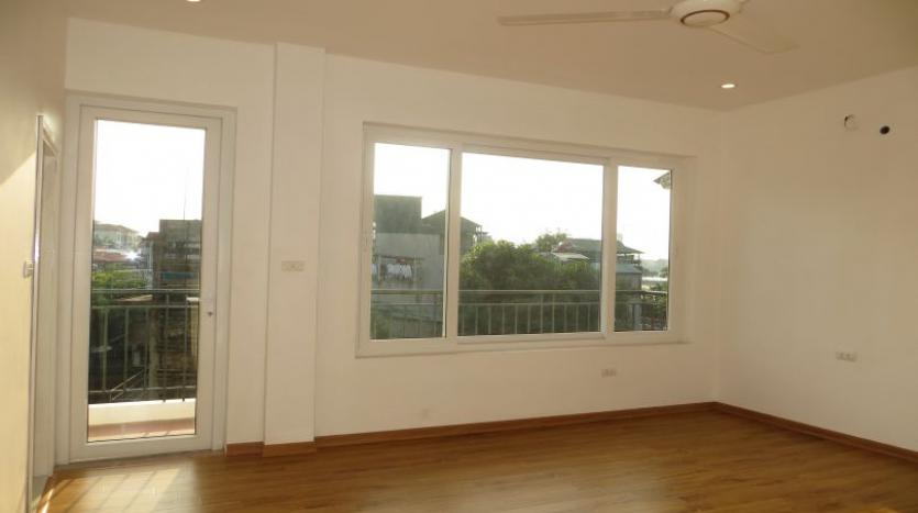 refurbished-house-to-rent-in-tay-ho-car-parking-and-terrace-11