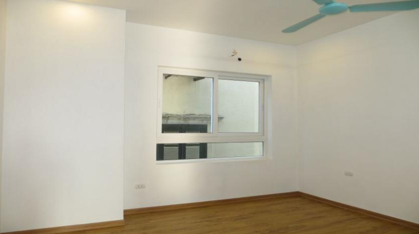 refurbished-house-to-rent-in-tay-ho-car-parking-and-terrace-17