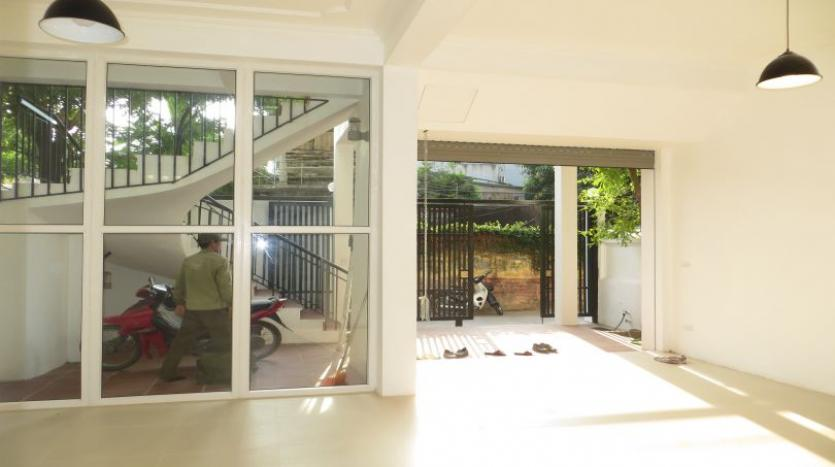 refurbished-house-to-rent-in-tay-ho-car-parking-and-terrace-21
