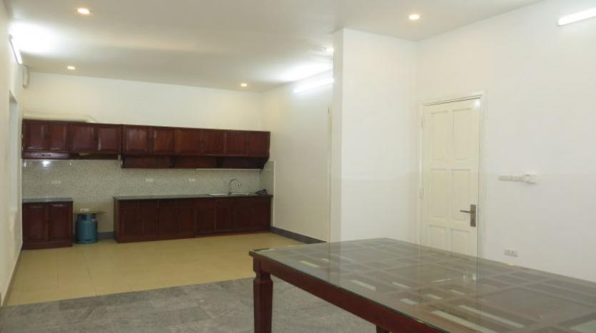 refurbished-house-to-rent-in-tay-ho-car-parking-and-terrace-9