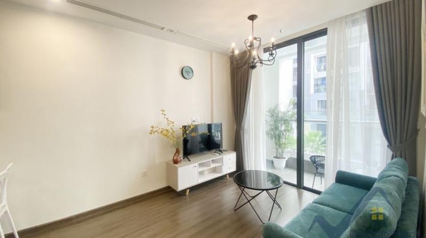 rent-02bed-01bath-apartment-at-vinhomes-symphony-long-bien-2