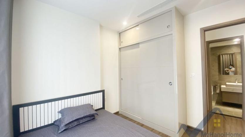 rent-02bed-01bath-apartment-at-vinhomes-symphony-long-bien-4