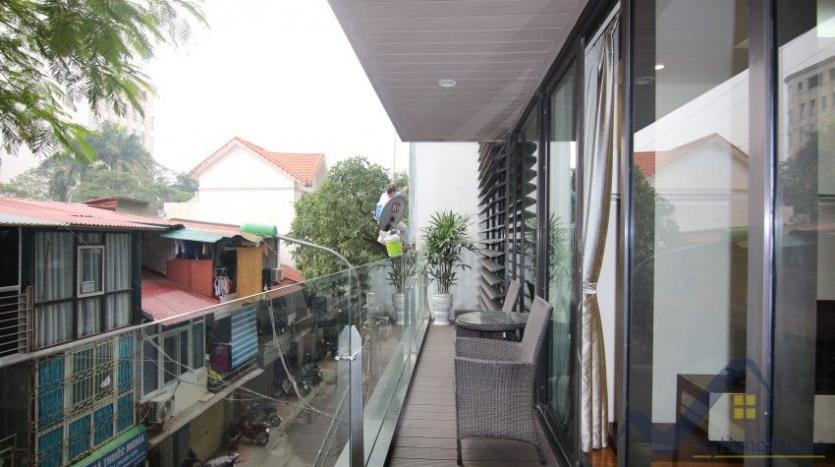 rent-2-bedroom-apartment-in-truc-bach-hanoi-with-balcony-17