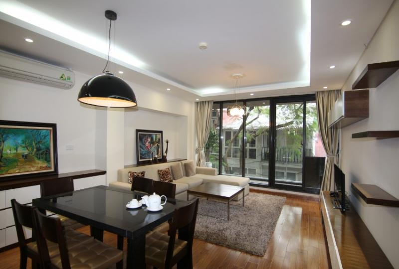 Rent 2 bedroom apartment in Truc Bach Hanoi with balcony