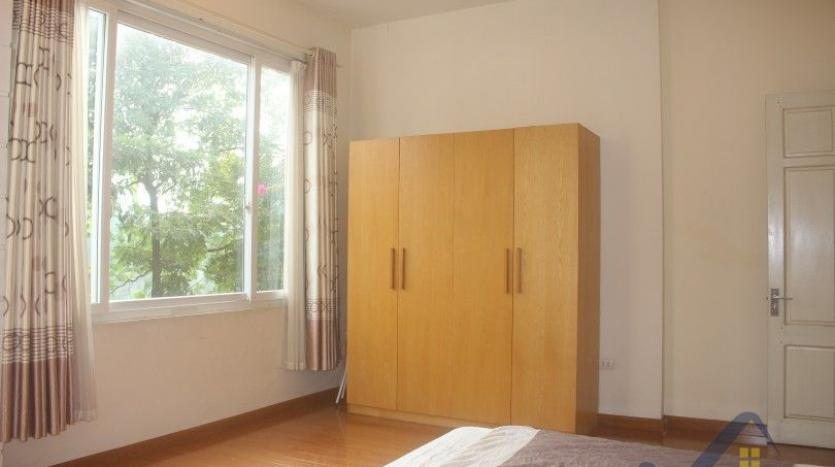 rent-2-beds-2-baths-apartment-in-truc-bach-hanoi-with-balcony-20