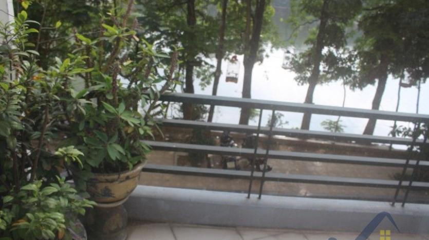 rent-2-beds-2-baths-apartment-in-truc-bach-hanoi-with-balcony-21