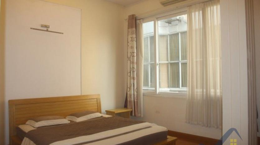 rent-2-beds-2-baths-apartment-in-truc-bach-hanoi-with-balcony-22